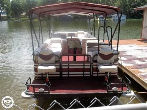 pontoon boat terms 17 best ideas about tritoon boats for sale on pinterest