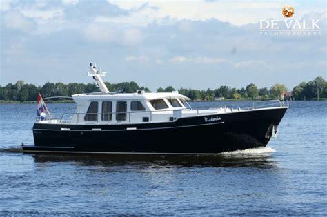 een boot review de valk het is geen gemakkelijke tijd om een boot