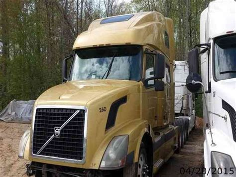 volvo commercial parts volvo 780 2003 sleeper semi trucks