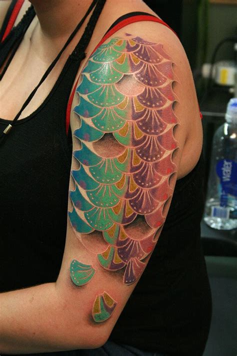 scale tattoo best 25 fish scale ideas on mermaid