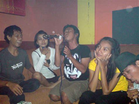 Sofa Inul Di Lung karaoke menguji lengkingan hati