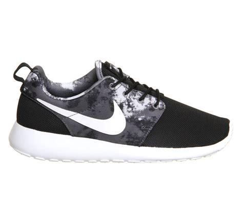 Sepatu Basket Drose 7 Cool Black nike roshe run black white cool grey print unisex sports
