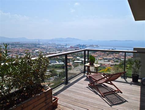 Marseille, L'Estaque : Appartement contemporain avec terrasse et vue Agence EA Marseille