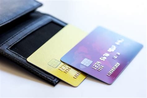 Gift Card Cash Advance - when to use a debit card cash advance mybanktracker