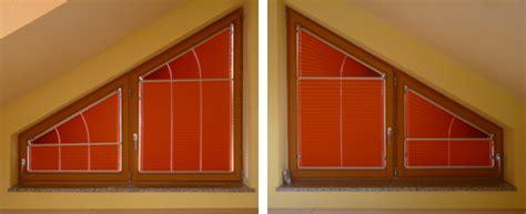 dreiecksfenster vorhang rotes plissee f 252 r sonderform heimtextilien