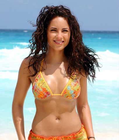 sizzling bollywood: barbara mori hot bikini pictures and