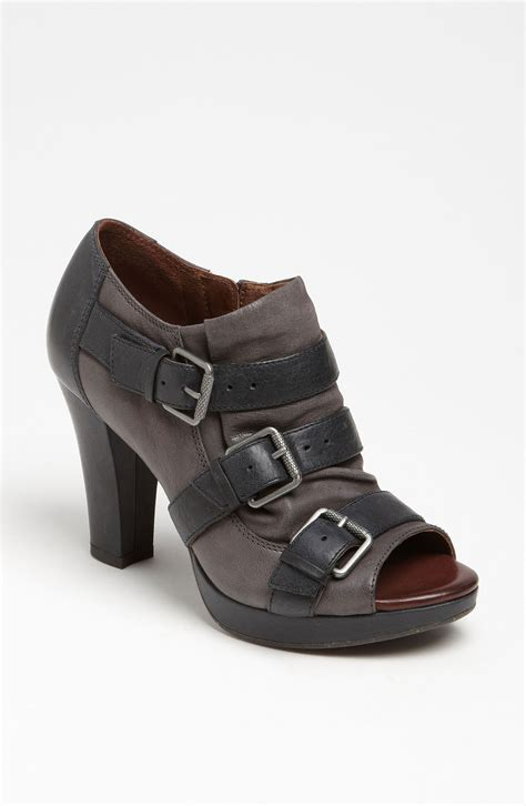 naya shoes naya kindred boot in gray grey black lyst