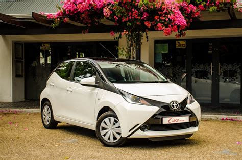toyota go car toyota aygo 1 0 x play 2015 review cars co za