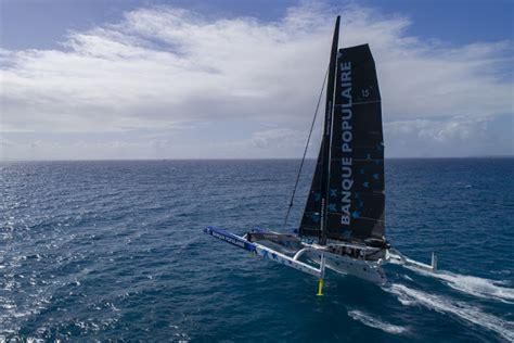 trimaran capsize banque populaire ix trimaran capsized catamaran racing