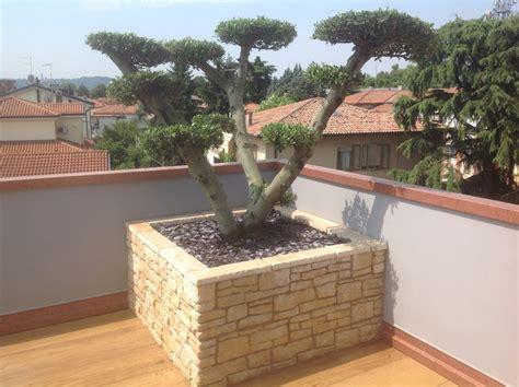 vasi per terrazze progettazione terrazzi terrazze e fioriere vicenza