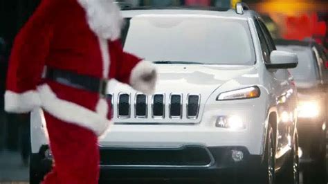 jeep cherokee christmas jeep cherokee tv spot big finish 2014 christmas lights