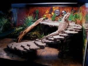 Check out the leopard gecko cage below. This hobby enthusiast combined