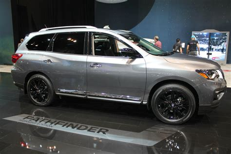 nissan pathfinder platinum midnight edition nissan midnight edition lineup reveal at chicago auto show
