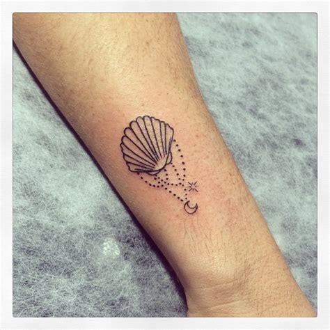 mermaid wrist tattoos shell search tattoos ideen