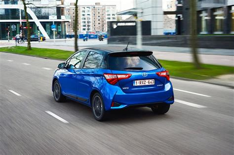 Carbuyer Toyota Yaris Toyota Yaris Hybrid Hatchback Pictures Carbuyer