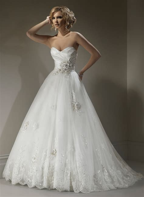 30 Sweetheart Lace Wedding Dresses Ideas to look perfect
