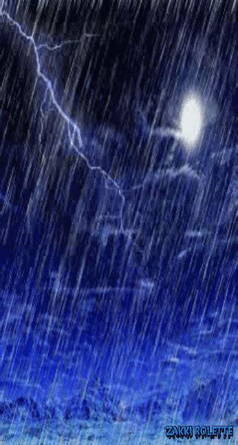 background hujan 50 gambar dp bbm hujan yang romantis dan lucu terbaru