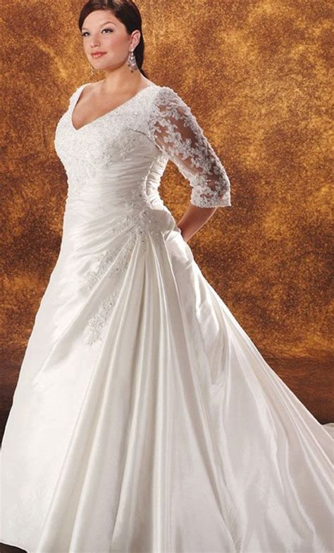 Plus size wedding dresses with sleeves   plussize outfits.com