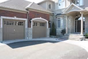 What Colour Should I Paint My House Exterior - garage door colour light or dark