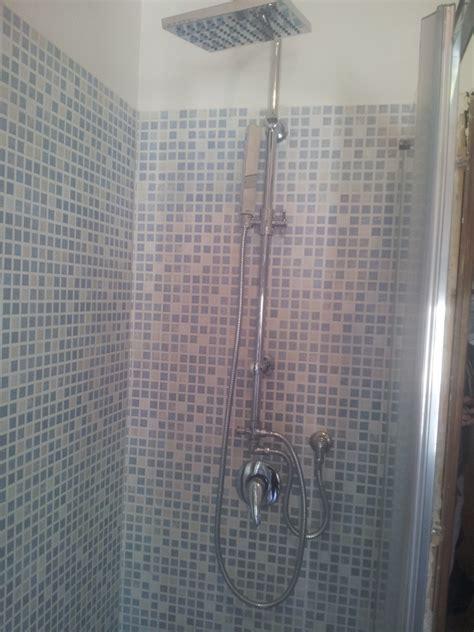 docce mosaico stunning effetto mosaico alluinterno della doccia with