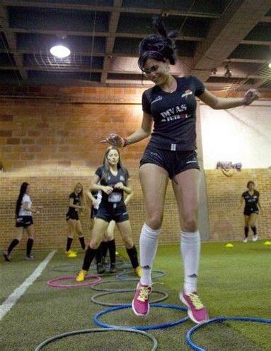 imagenes de mujeres jugando futbol soccer mujeres futbol fitness and hobbies pinterest futbol