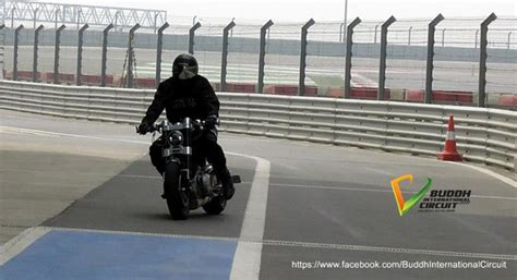 hellcat x132 dhoni ms dhoni rides his x132 hellcat at buddh international circuit