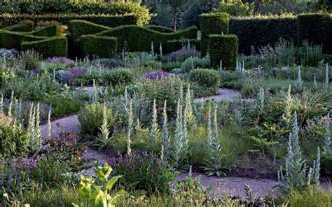 il giardino oltre la siepe la rivincita delle erbacce livingcorriere