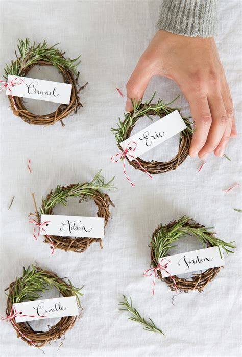 10 ideas for christmas place card holders the bright rosemary wreath place cards camille styles