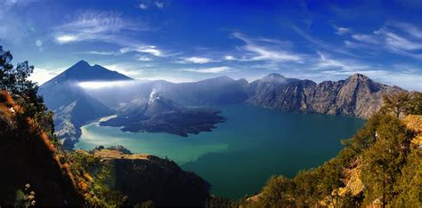 Di Indonesia 11 hikes in southeast asia that will take your breath away