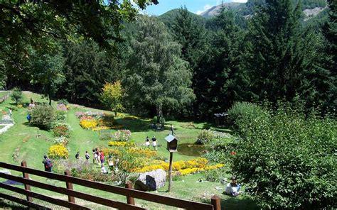 Giardini In Montagna by Parco Dell Orecchiella