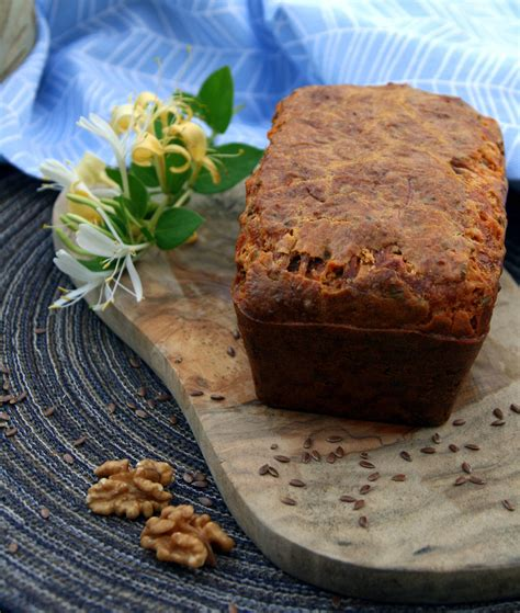 noix de muscade cuisine cake au bleu de bresse aux noix et au miel graines de