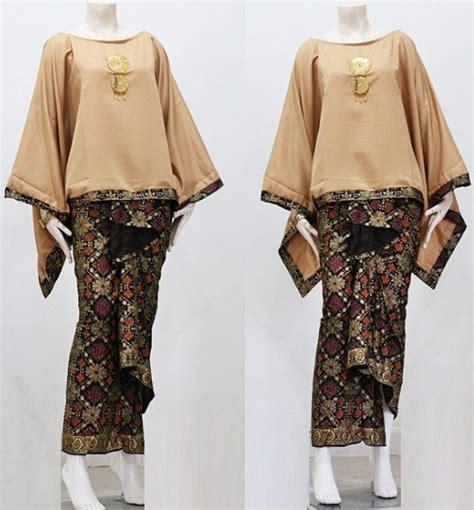 Gamis Remaja Kombinasi Batik 80 model gamis batik kombinasi polos modern muslim remaja