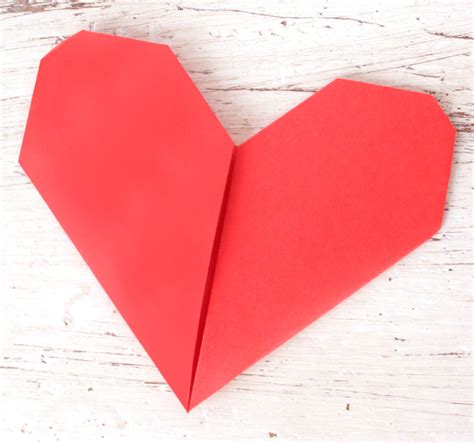 How Do You Make Paper Hearts - how to make origami hearts stuck on you