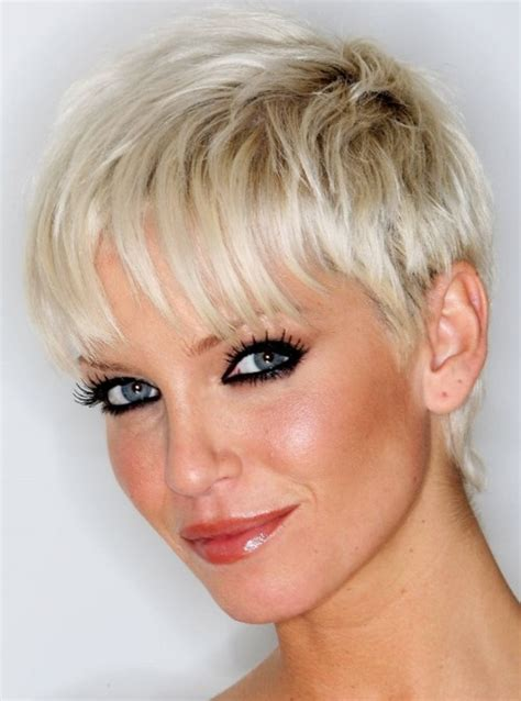 need a short haircut for person in their 60 s need special treatment for short hairstyles for thin hair