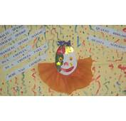 Painel Do Pierrot As Crian&231as Pintaram Com O Dedinho Fundo