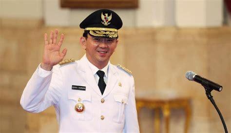 ahok gubernur ahok bakal dikeroyok artis di pilkada dki jakarta 2017