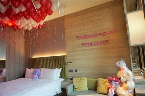 balloons in room gesture with flowers balloons 24 hrs city florist singapore