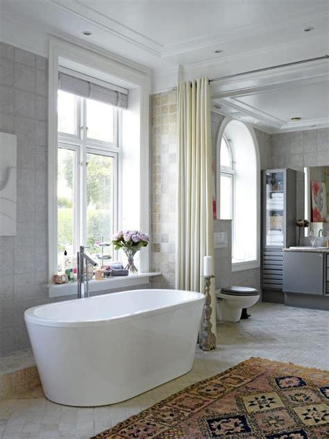 badet er uvanlig stort nesten hele 25 kvadratmeter