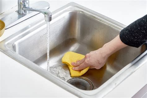 How To Polish A Stainless Steel Sink With Flour Kitchn Best Way To Clean Stainless Steel Kitchen Sink