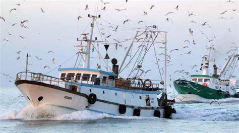 pacifico porto garibaldi una motovedetta egiziana ha sequestrato 5 pescherecci di