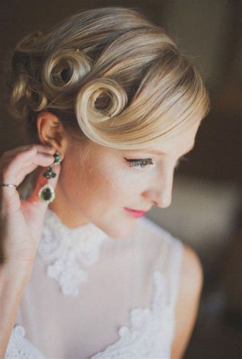 messy hair styles in 1920 retro 1920s 1940s vintage deep side part pin curl updo