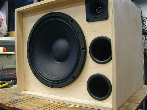 12 inch bass speaker cabinet bassesbyleo view topic 1x12 speaker cabs build in