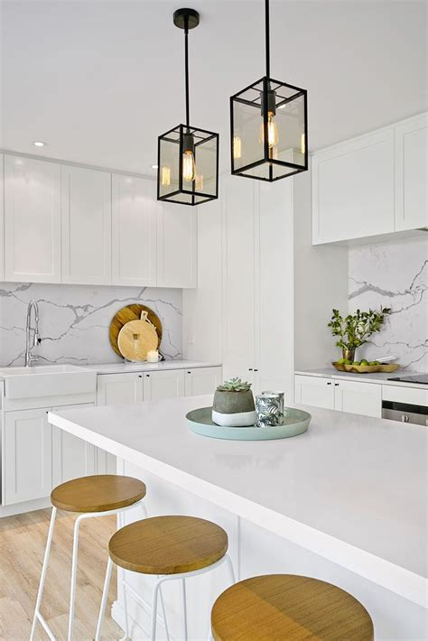 White Kitchen Pendant Lights 25 Best Ideas About Htons Kitchen On Hton Style American Kitchen And White