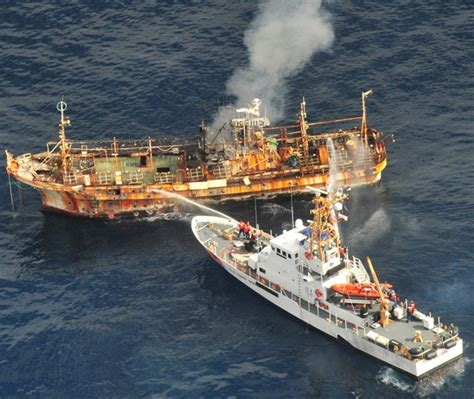 sw boat tours near gulf shores tsunami ghost ship no more uscg sinks derelict vessel