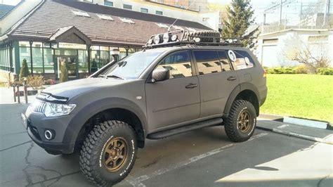 mitsubishi pajero sport modified 1000 images about off road and 4x4 on pinterest
