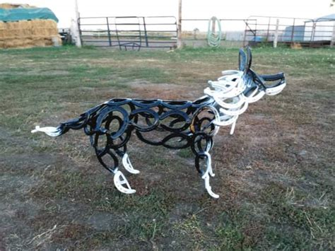 How To Decorate A Ranch Style Home Ranch Horseshoe Art Artistic Expression Through The Sole