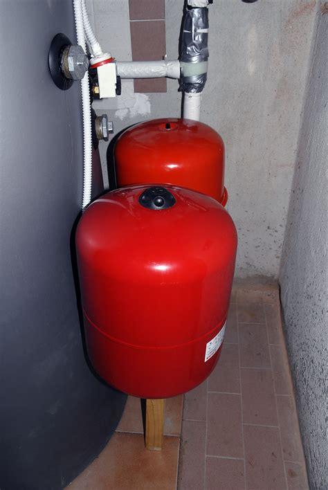 pressione vaso di espansione controllo pressione vaso d espansione per circuiti chiusi