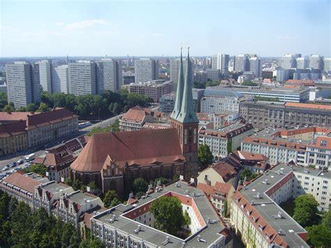 mitte berlin file nikolaikirche berlin mitte jpg wikimedia commons
