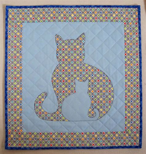 cat applique pattern wall hanging sidekick cat applique wall hanging quilt from quilts by elena