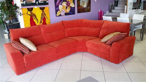 divani a angolo prezzi divano angolo calipso doimo salotti offerta divani a